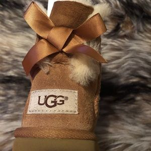 UGG Mini Bailey Bow Toddler size 10